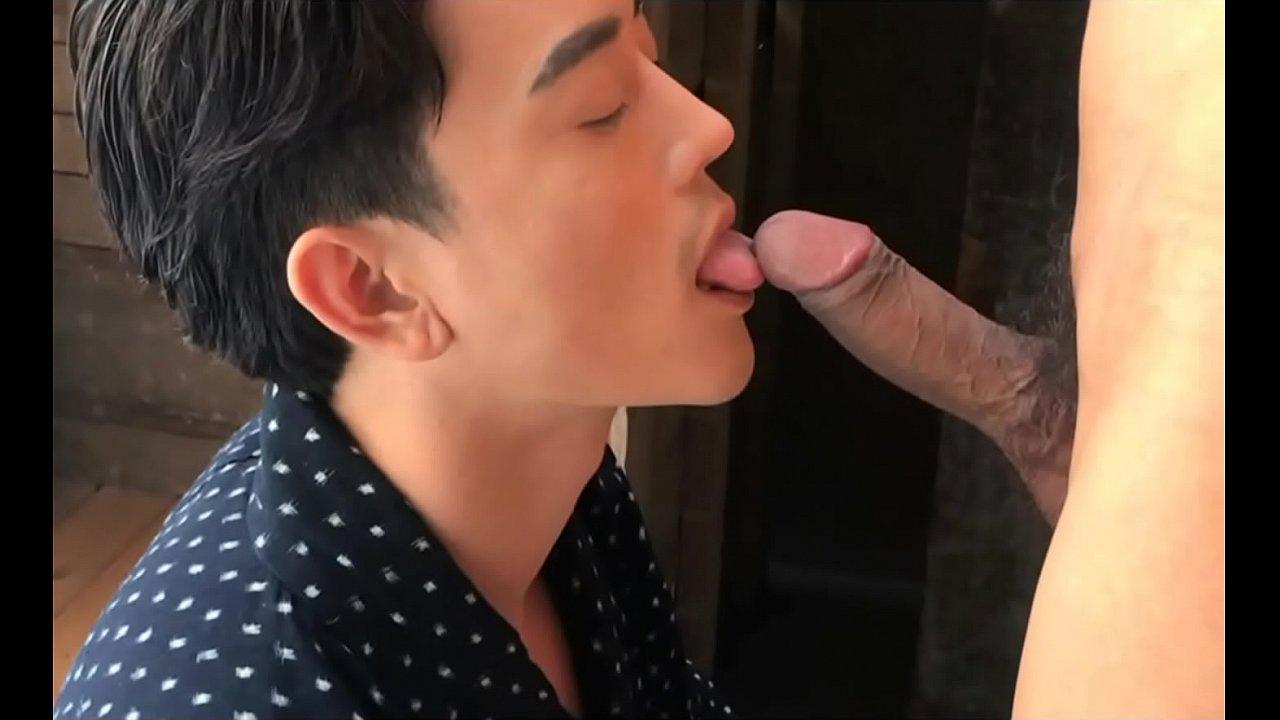 หนังxxxชายรักชาย gay asian หนุ่มไทยสายเหลืองเกย์หน้าหล่อไปโดนเย็ดตูดเสียวข้าวทวีปถึงญี่ปุ่น